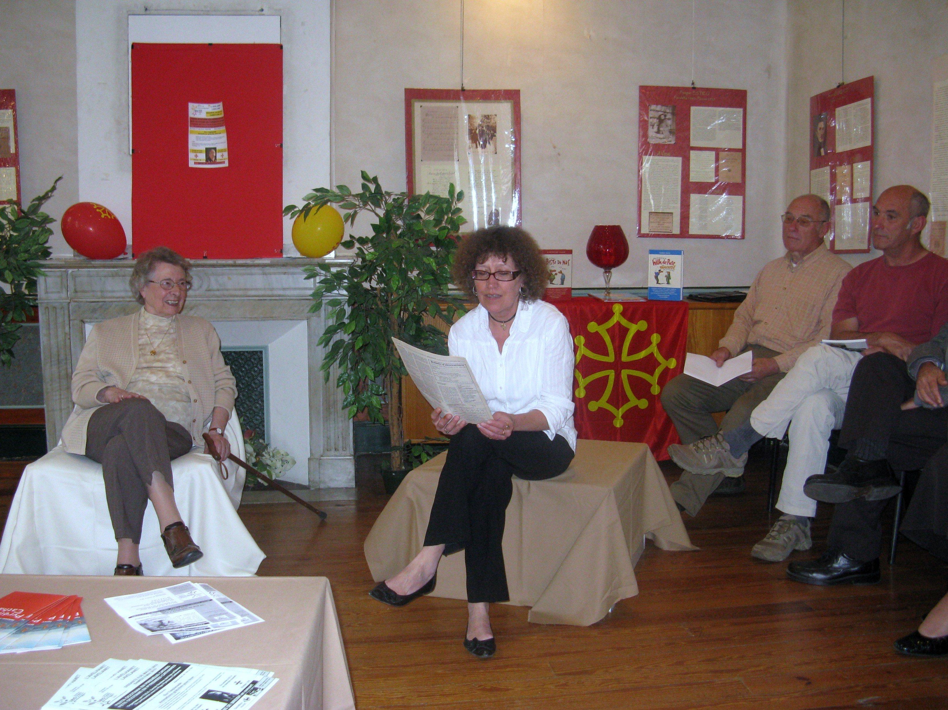 Lecture d'un texte d'Adelin Moulis par Patricia de la bibliothèque municipale de Lavelanet.